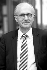 Dr. Martin Bartels